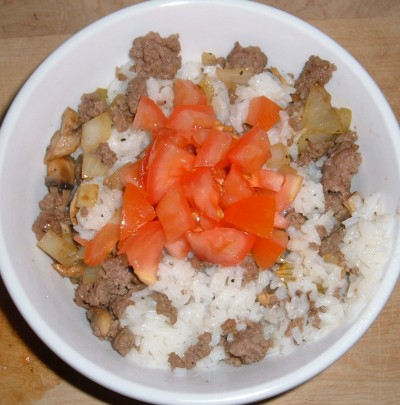 beef and rice with tomato